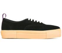 Sneakers mit dicker Gummisohle
