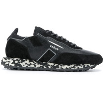 Sneakers mit gemusterter Sohle