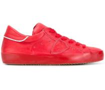 Sneakers mit seitlichen Patches