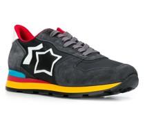 Sneakers mit bunter Sohle