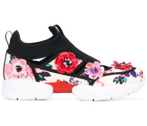Sneakers mit Blumenapplikation