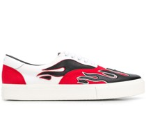 Sneakers mit Flammen-Patches