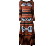 Langes Strickkleid mit Blumenmotiven