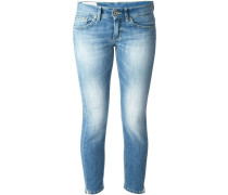 Schmal und kurz geschnittene Jeans