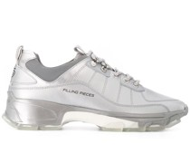 Sneakers in Metallic-Optik