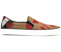 Slip-On-Sneakers mit Herz-Print