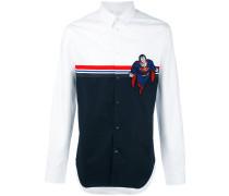 Hemd mit Superman-Patch