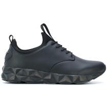 Sneakers mit geometrischer Sohle