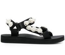 Sandalen mit Perlenverzierung
