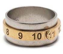 Ring mit eingravierten Nummern
