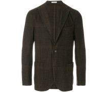 fitted buttoned suit jacket