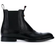Stiefel im Budapester-Stil