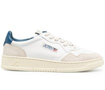 Action Sneakers