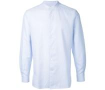 Kragenloses Hemd