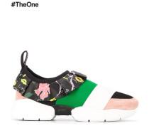 Sneakers mit Rüsche