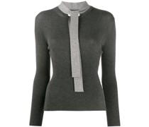 Gerippter Pullover mit Schleifenkragen