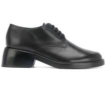 Schuhe mit Design-Absatz