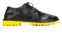 Derby-Schuhe mit Kontrastsohle