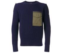 Gerippter Pullover mit aufgesetzter Brusttasche