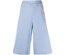 Shorts mit geprägten Knöpfen