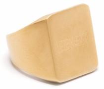 Eckiger Ring mit Logo