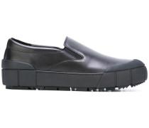 Slip-On-Sneakers mit dicker Sohle