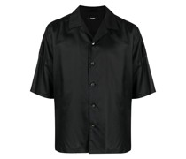 buttoned-up short-sleeved shirt