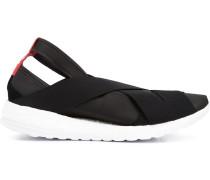 Sneakers mit Riemchen