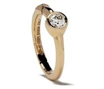18kt Goldcreole mit einem Diamanten
