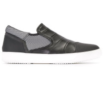 Slip-On-Sneakers mit Kontrasteinsatz