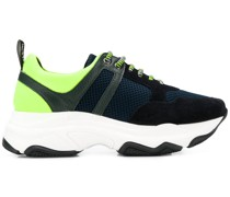 Sneakers mit Netz