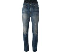 Jeans mit schmäler werdendem Bein