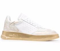 Tweener Sneakers