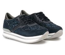 Sneakers mit glitzernem Einsatz