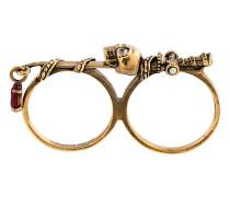 Zwei-Finger-Ring mit Totenkopf