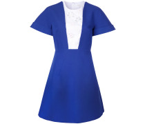 Kleid mit Kontrasteinsatz