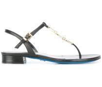 Sandalen mit Kettengliedern