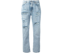 Cropped-Jeans mit Erdbeer-Patch