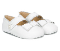 front bow crib shoes