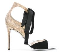 Verzierte Sandalen mit Schleife - women