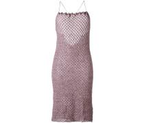 Gestricktes Kleid mit gekreuzten Trägern