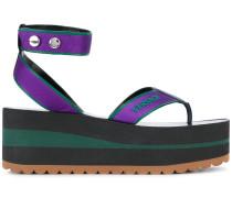 Sandalen mit Logo-Prägung - women