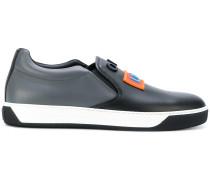 Slip-On-Sneakers mit Applikationen