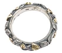 Ring mit eingravierten Blättern