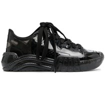 Sneakers in Lackoptik