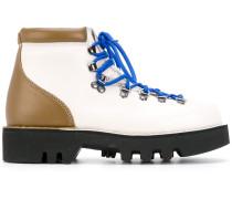 Stiefel mit kontrastierender Sohle