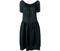 Ausgestelltes Kleid mit kurzen Ärmeln