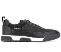 Sneakers mit Netzeinsatz