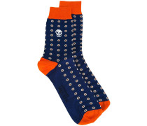 skull intarsia socks