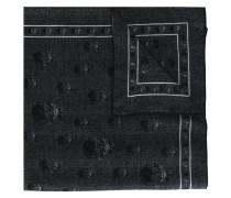 Strickschal mit Totenkopf-Motiv